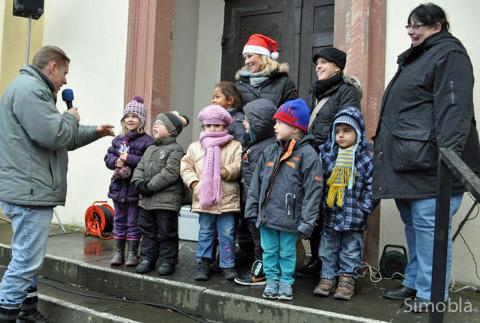Danke sagte Franz Ilg, Vorsitzender der ArGeSOV, den Kindern von St.Kilian und St. Dionysius, die die beiden Weihnachtsbäume geschmückt hatten.