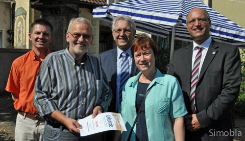 Die Ranzenbrunnenauszeichnung erhielt Dieter Frank. Dazu gratulierten Andreas Rühmkorf, Jörg Geywitz, Elke Sautner und Roger Podstatny