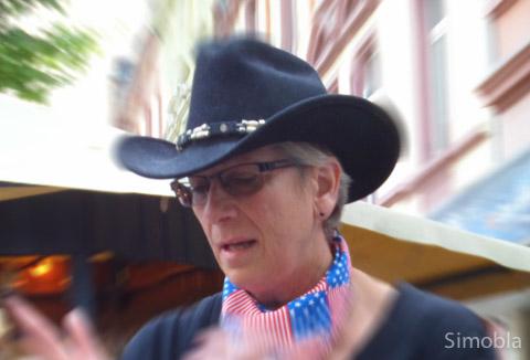 Stilecht mit Cowboyhut: Trainerin Rosemarie Neumann.