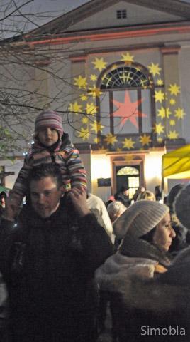 Sternstunden: Das Lichtspiel an der Kirchenfassade bescherten Hans Oczko und Dirk Zimmermann vom TVS den Besuchern.