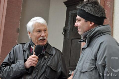 Andreas Rühmkorf (rechts) begrüßte die Besucher im Namen der Vereine, Arno Weber sprach in Vertretung des Stadtverordnetenvorstehers.