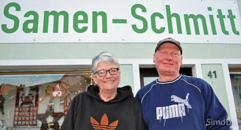 """Uli Schlereth und Marion Patt führen ein alt eingesessenes Geschäft. Offiziell heißt es """"Samen Schlereth"""", aber aus traditionellen Gründen haben die beiden den Schriftzug """"Samen-Schmitt"""" beibehalten. Fotos: Michael Sittig"""