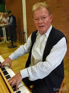 Ein Mann, ein Chor: Hans Schlaud dirigiert seit 50 Jahren den Gesangverein Germania. Foto: Michael Sittig