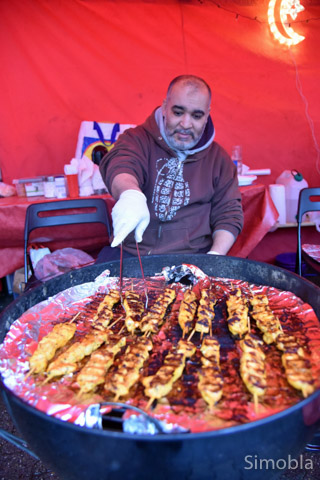 Samir Zeyani grillte Geflügel