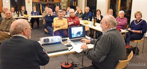 """Am """"Dalli-Klick"""" des Geschichtsvereins beteiligten sich fast 30 Sindlinger. Foto: Michael Sittig"""
