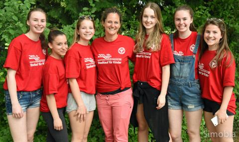 Das Orga-Team: (von links) Linda, Giusy, Luisa, Isabelle Schikora, Janina, Romy und Vici.