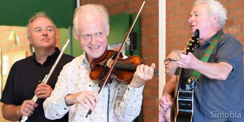 """...sowie """"Ar Log"""" musizierten bei der Folk-Matinee. Fotos: Michael Sittig"""