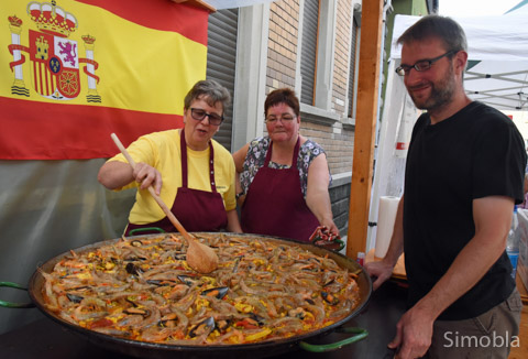 Paella kochte der Gewerbeverein.