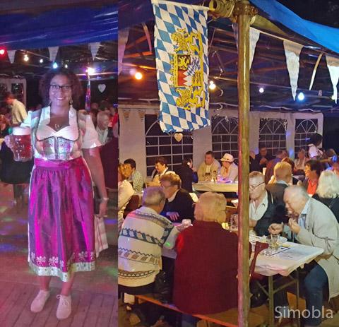 Etliche Maßkrüge brachte Angela Gibson an die Tische. Der Karnevalverein hatte zum Oktoberfest eingeladen. Fotos: Claus Hoss