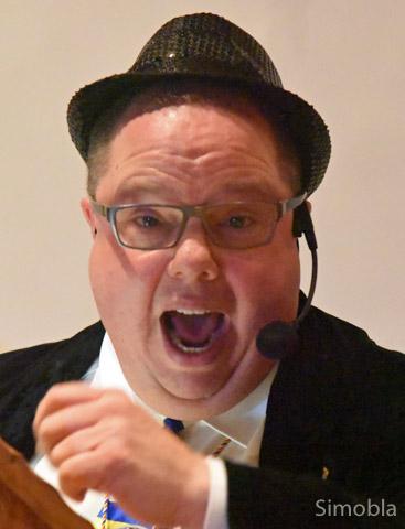 "Als ""Neuer Redner"" kam Michael H. Kuhn."