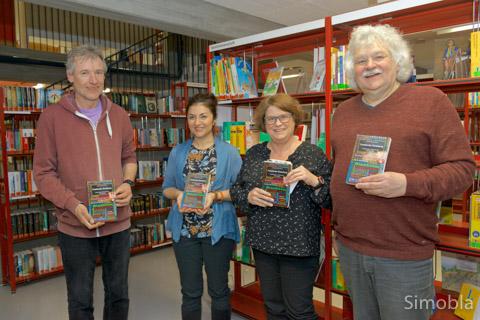 """Das Kapitel über Sindlingen verfasste Mario Gesiarz, Vorsitzender der """"Buchstütze"""". Fotos: Hans-Joachim Schulz"""