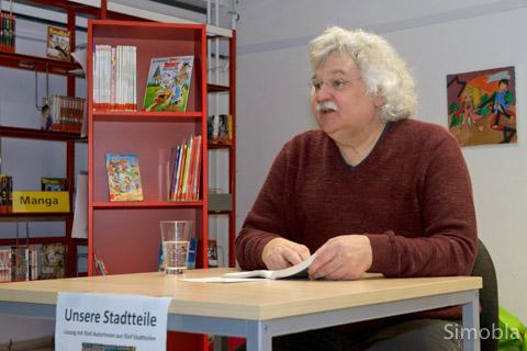 """Vier Autoren lasen aus der """"Frankfurter Einladung"""": (von links) Jörg Engelhardt, Reha Horn, Susanne Konrad und Mario Gesiarz."""
