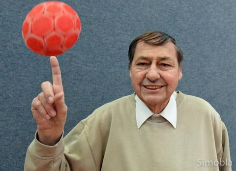 In Hans Brunnhöfers Leben spielen der Handball und der TV Sindlingen eine wichtige Rolle. Foto: Michael Sittig