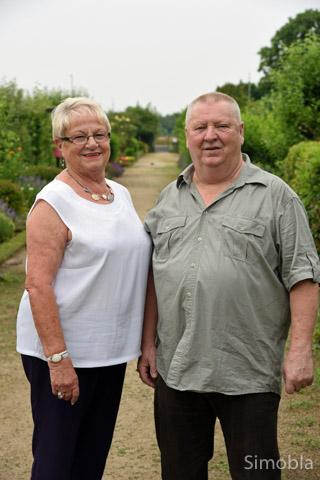 Sie kennen sich aus mit den Maschen der Betrüger: Renate Fröhlich und Norbert Richmann sind Sindlingens Seniorensicherheitsbeauftragte. Foto: Michael Sittig